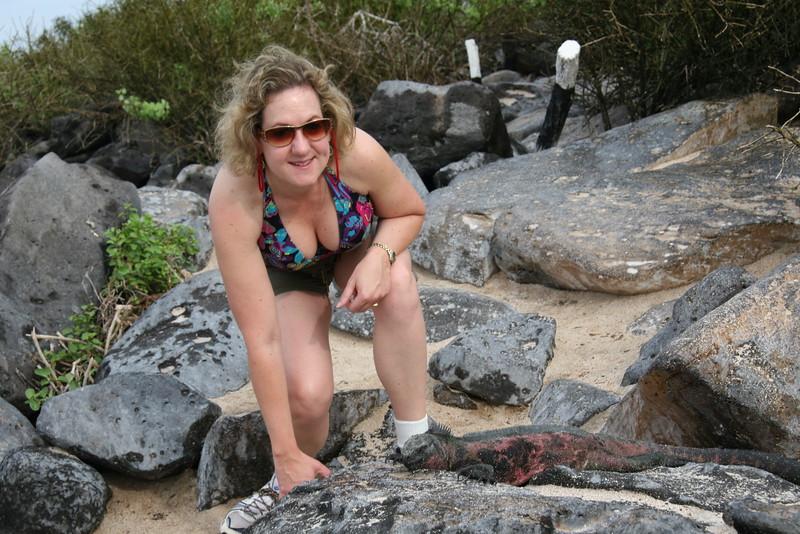 2007-02-19-0047-Galapagos with Hahns-Day 3, Espanola-Debby-Marine Iguana.JPG