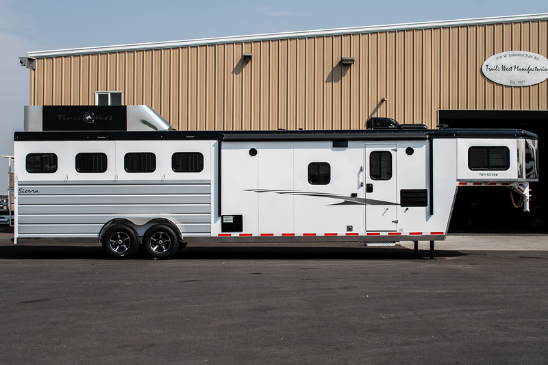 2019 TW Horse Trailers & Tack Rooms-152-2.jpg
