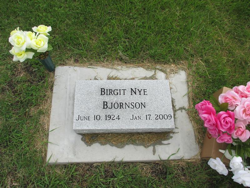 Auntie-B-Grave