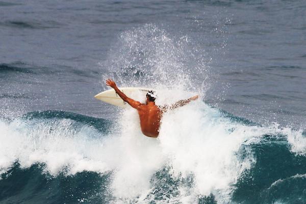 SURFING HO'OKIPA// DEC/21/2010 TO JAN/17/2011