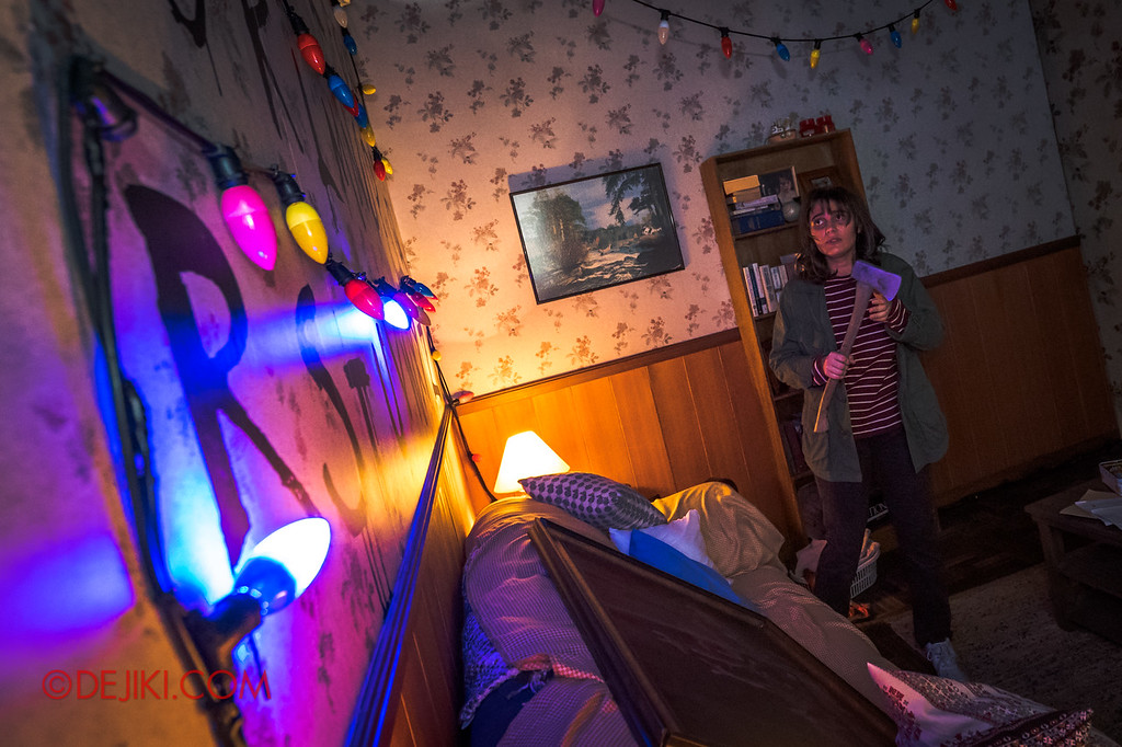 USS Halloween Horror Nights 8 Stranger Things haunted house maze - Joyce Byers receiving a message from her son Will