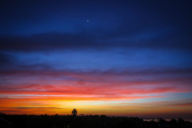 November 4n - nSunrise and partial moon on the first morning of PST over Santa Monica Bay.jpg