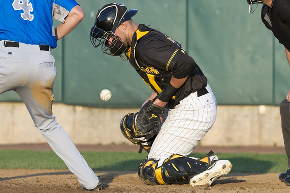 The New Britain Bees vs the Sugar Land Skeeters at New Britain Stadium on Friday July 5, 2019. Catcher Logan Moore (30) blocks a ball in the dirt. Wesley Bunnell | Staff