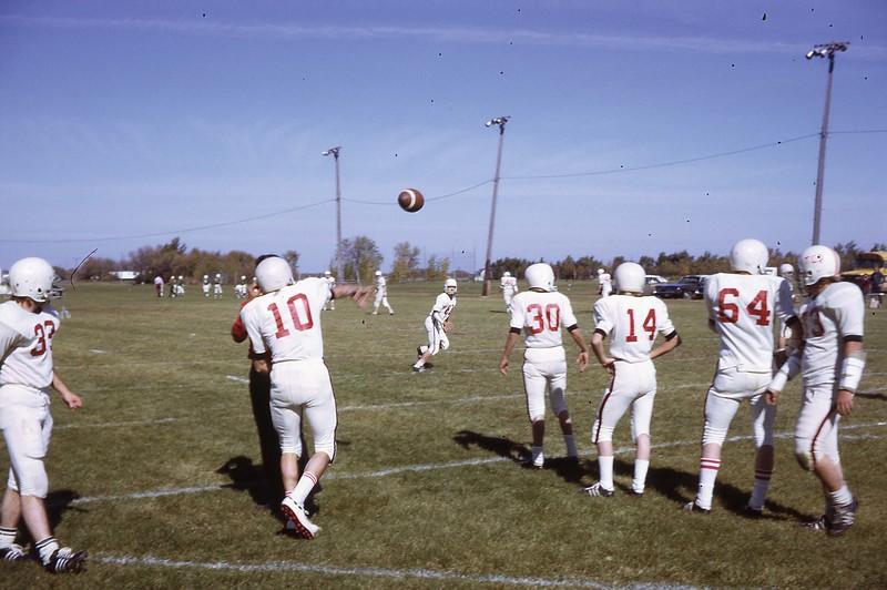 ARS098.  #10 Doug Burgum – Arthur football - 1973‡.jpg
