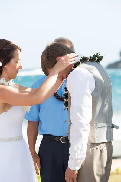 gillin beach kauai wedding-80.jpg