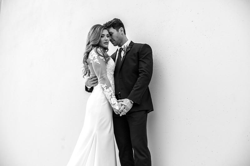 Kate&Josh_B&W_ZACH.WATHEN.PHOTOGRAPHER-244.jpg