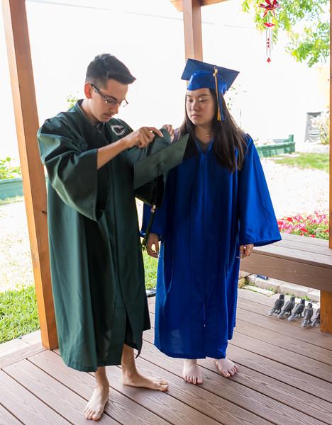 20190602_april-hs-graduation_028.JPG