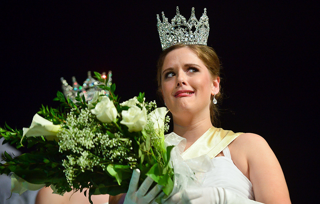 . Hoglin reacts to all the applause after being named Queen of the Snows. (Pioneer Press: Ben Garvin)