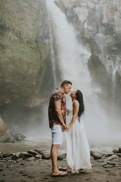 VTV_family_photoshoot_with_waterfall_Bali (154).jpg