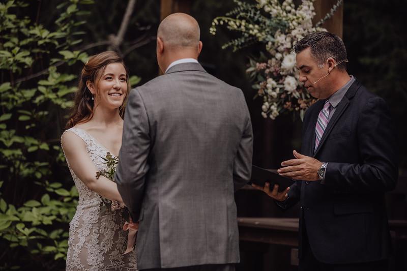 2018-05-12_ROEDER_JulieSeth_Wedding_ROEDER2_0027.jpg