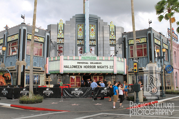 HHN 22: Sights, sounds, roamers and random things