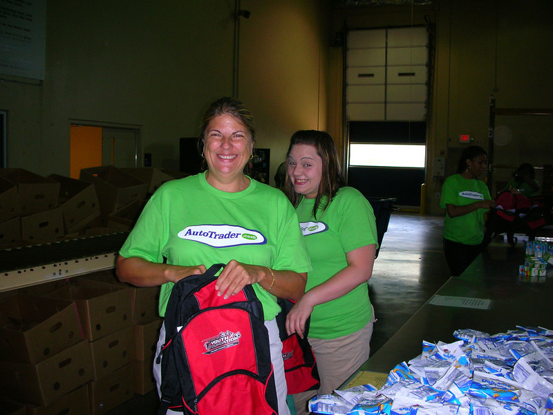 R4 Community Service - Atlanta Community Food Bank 011.jpg
