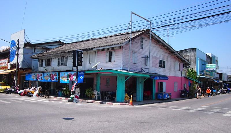P3143506-old-wooden-thailand.JPG