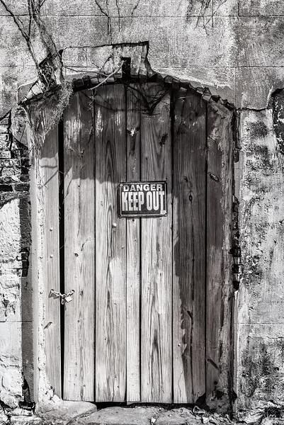 DoorshouldIenter-web1801x1202U50.jpg