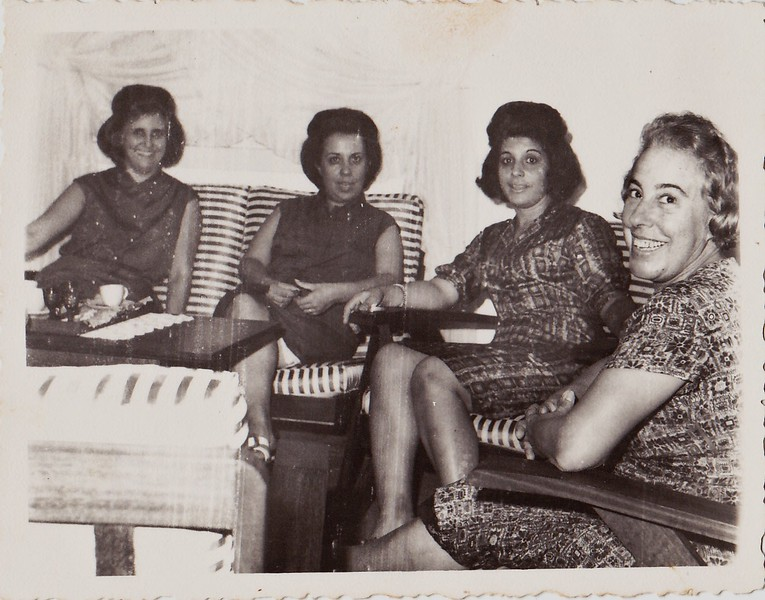 Aurora Tavares, Elizabete medeiros, Graca Pinto ( das Gaiolas) e Arminda ( sogra do Medeiros)