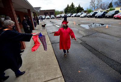 "Photos: Crossroads School ""Social Distancing"" Graduation 2020"