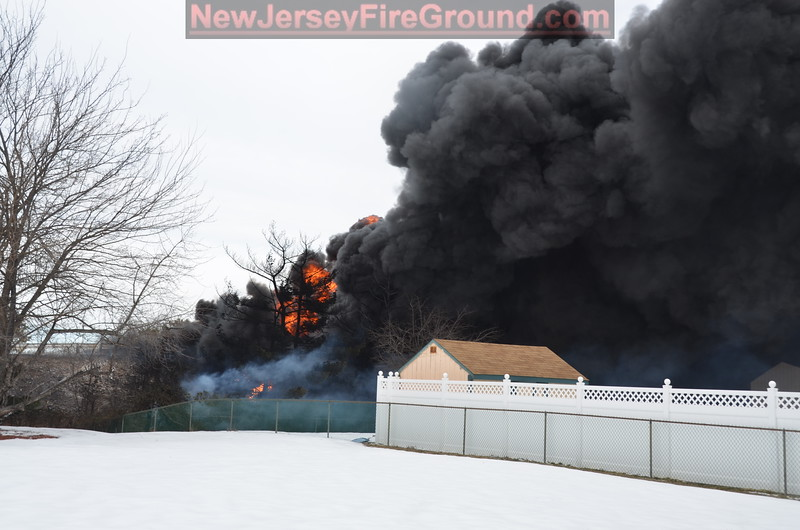 2-23-2015(Camden County)PENNSAUKEN TWP. Rt. 90 -Tanker Fire