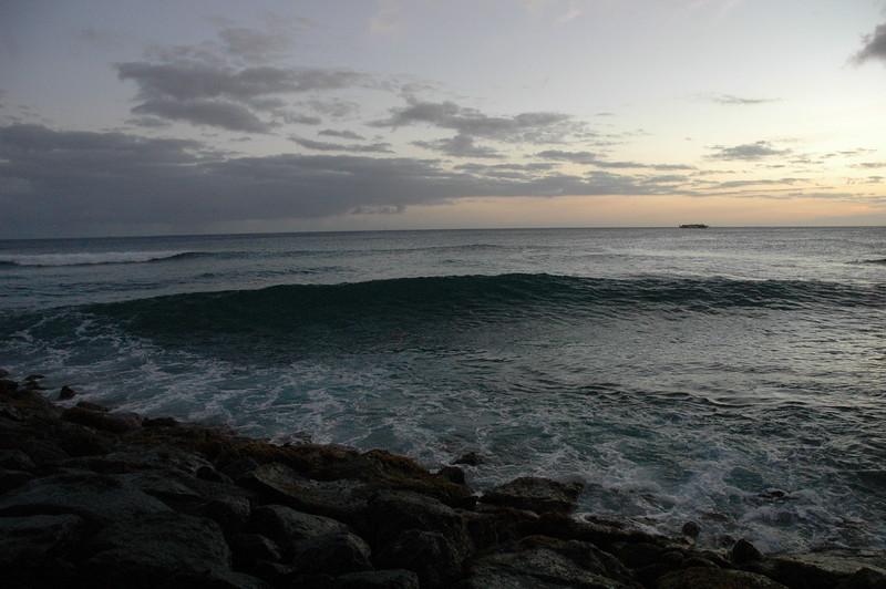 Hawaii - Ala Moana Beach Sunset-181.JPG