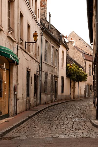 beaune side street.jpg