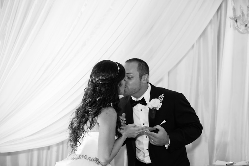 0927_Josh+Lindsey_WeddingBW.jpg