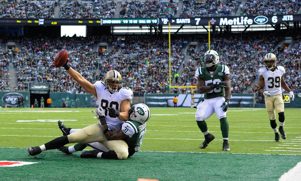 . Tight end Jimmy Graham #80 of the New Orleans Saints makes a touchdown catch in the 2nd quarter against the New York Jets at MetLife Stadium on November 3, 2013 in East Rutherford, New Jersey. (Photo by Ron Antonelli/Getty Images)