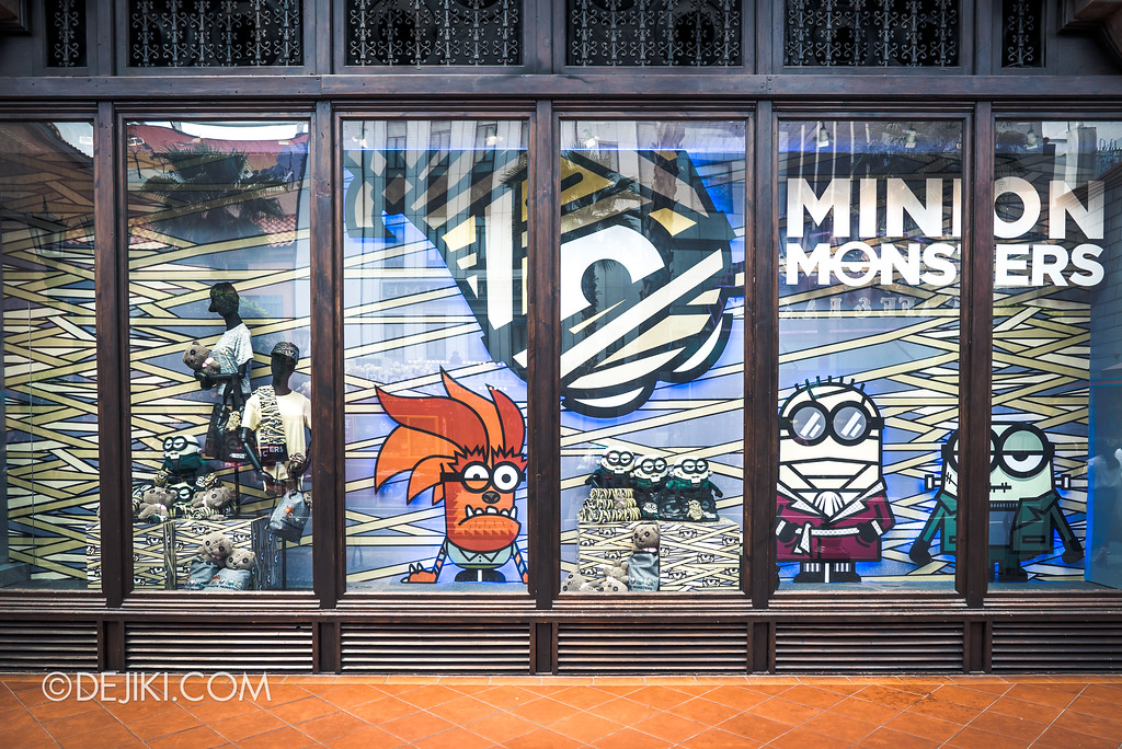 Halloween Horror Nights 7 Before Dark 5 Construction Preview - Halloween Merchandise / Minion Monsters Store Window