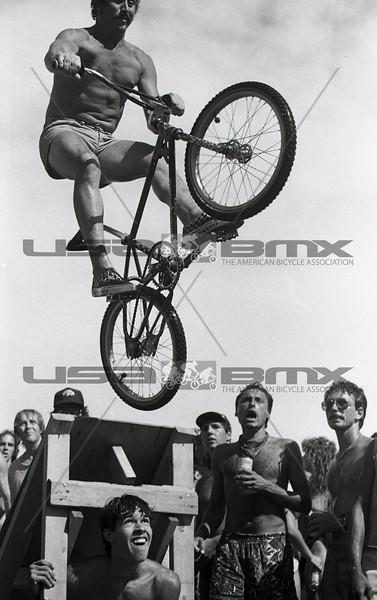 1984-River Jump302.jpg