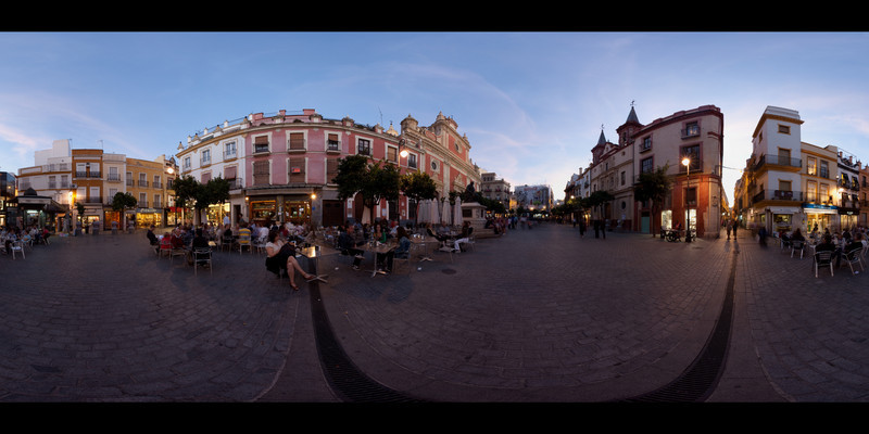 Sevilla plaza evening panorama.jpg