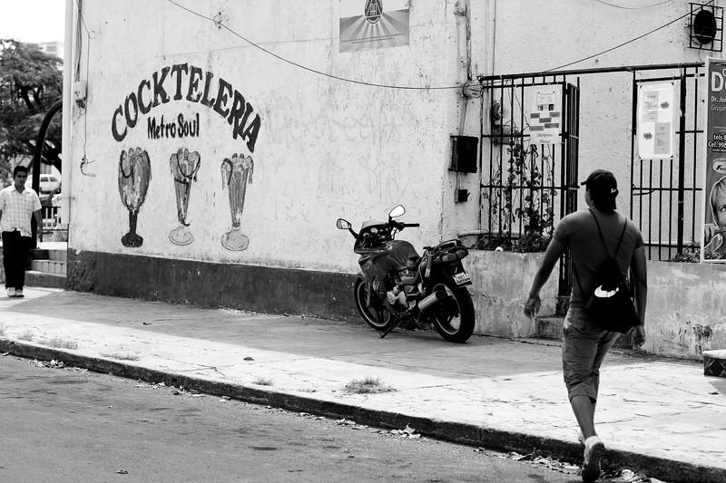 cancun-street-scene_4495864918_o.jpg