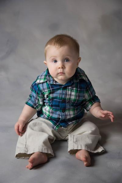 baby james 6 months-2.jpg