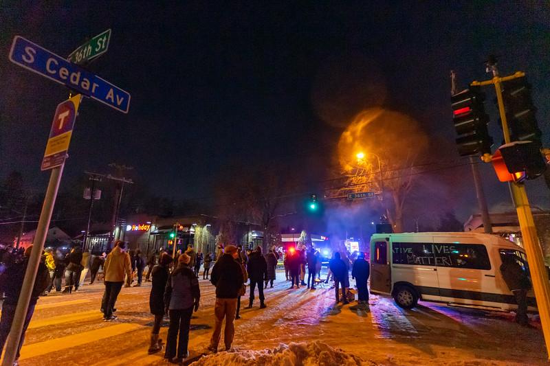2020 12 30 36th and Cedar Protest Police Murder-19.jpg