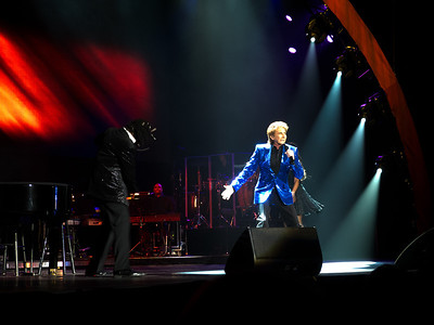 Barry Manilow - 1st Mariner Arena, Baltimore MD - April 20, 2013