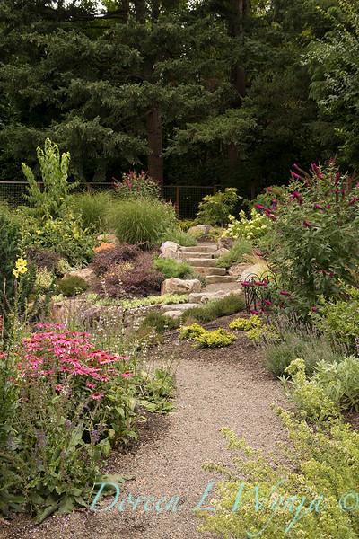 Lucy & Susan - Letson garden_712.jpg