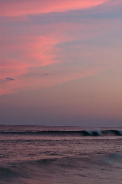 20040814 Destin Beach 052 red twlight clouds.jpg