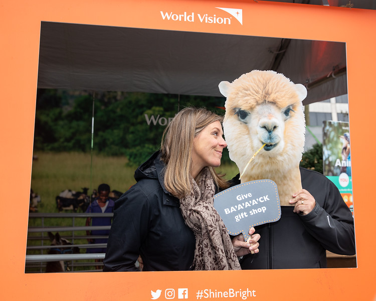 November 2018_Gives_World Vision-5621.jpg