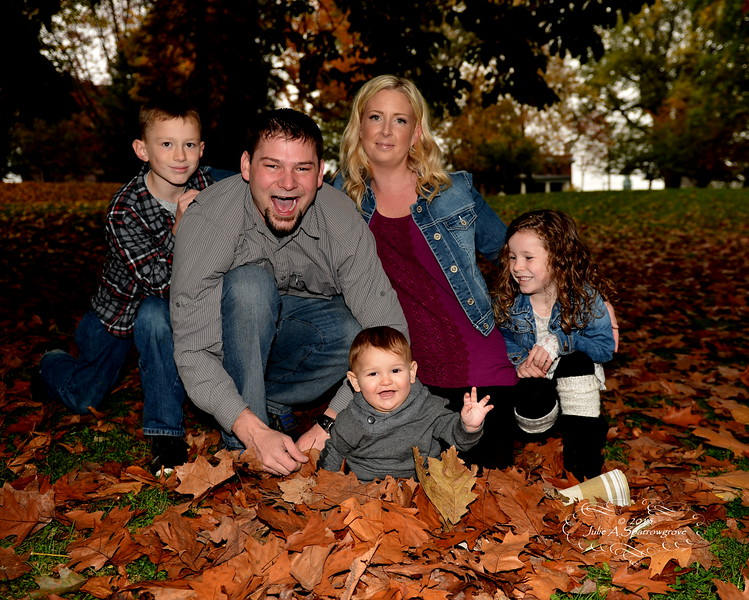 a family JE2_0910.JPG