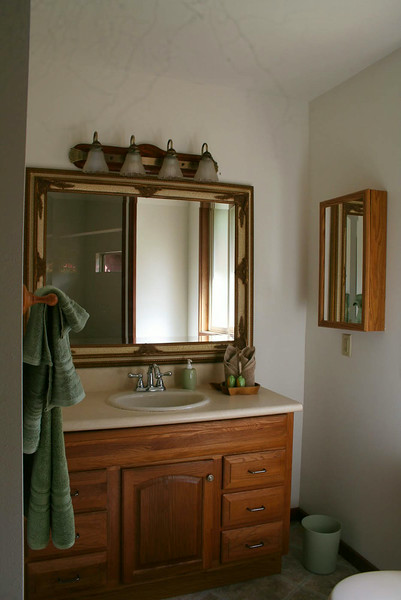 Kolea Cottage Rest Room