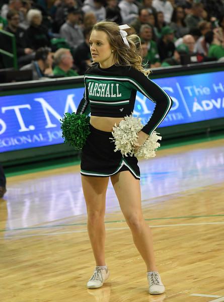 cheerleaders0827.jpg