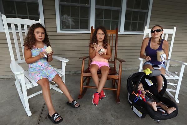 Shaw's Ice Cream 081220