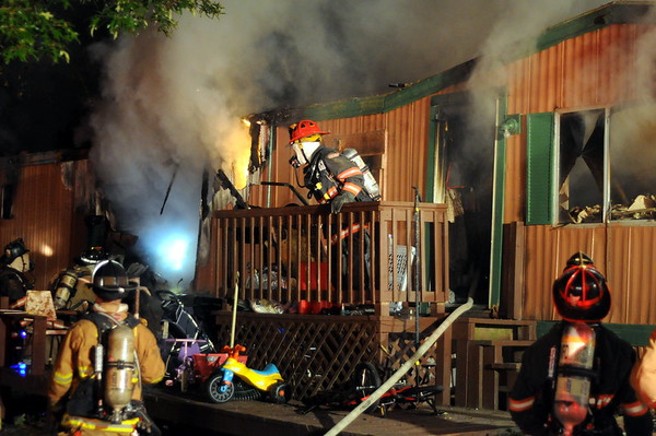 5/22/2010 Working Trailer Fire on Sue Drive, Lex Park