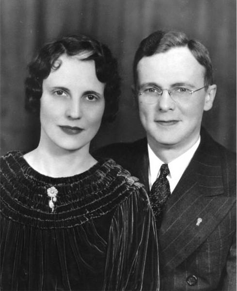 Aunt Doris and Uncle Warren.jpg