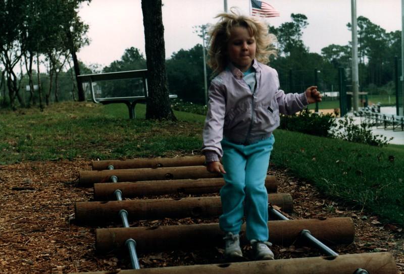 1986_December_Life_in_Longwood_0029_a.jpg