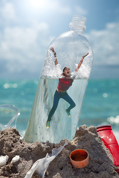 Photographer-Kiko-Ricote-Advertising-Conceptual- Creative-Space-Artists-Management-8-green-bottle-water-beach.jpg