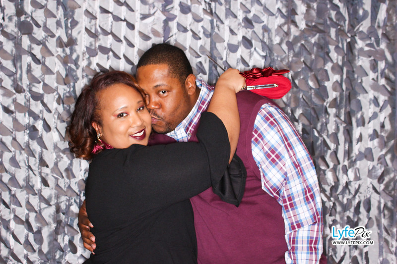 red-hawk-2017-holiday-party-beltsville-maryland-sheraton-photo-booth-0192.jpg