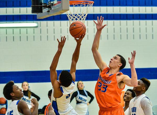 Basketball Varsity Boys vs  Bowie 01-28-14-20