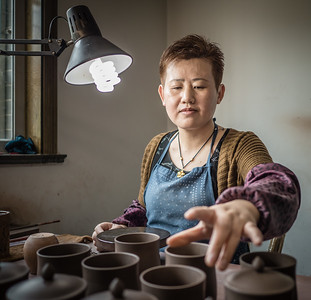 Near Yixing, Making Teapots and Cups - April 2016