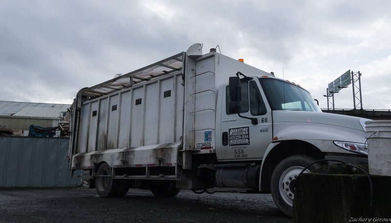 International 4300 Cascade Container Recycling Truck