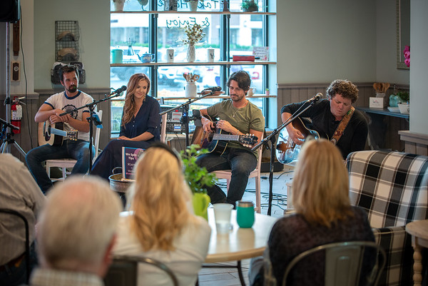 Giggi's Kitchen Concert with Caitlyn, Jesse & Dustin
