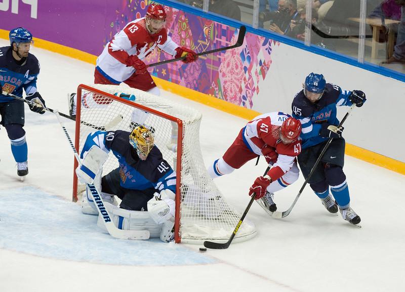 radulov tries to make a goal