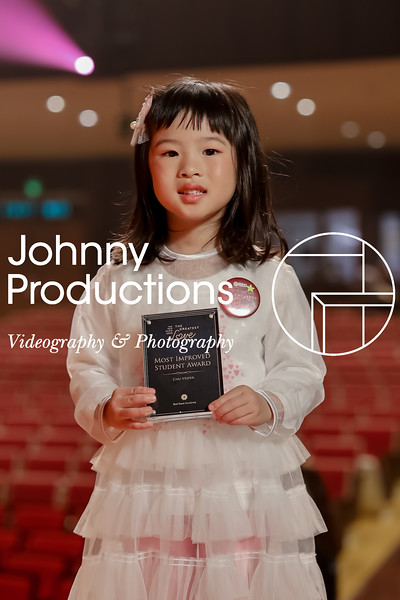 0005_day 1_award_red show 2019_johnnyproductions.jpg